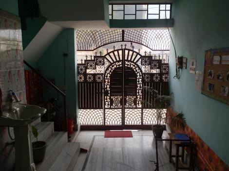 Eingang vom Haus - von innen fotografiert